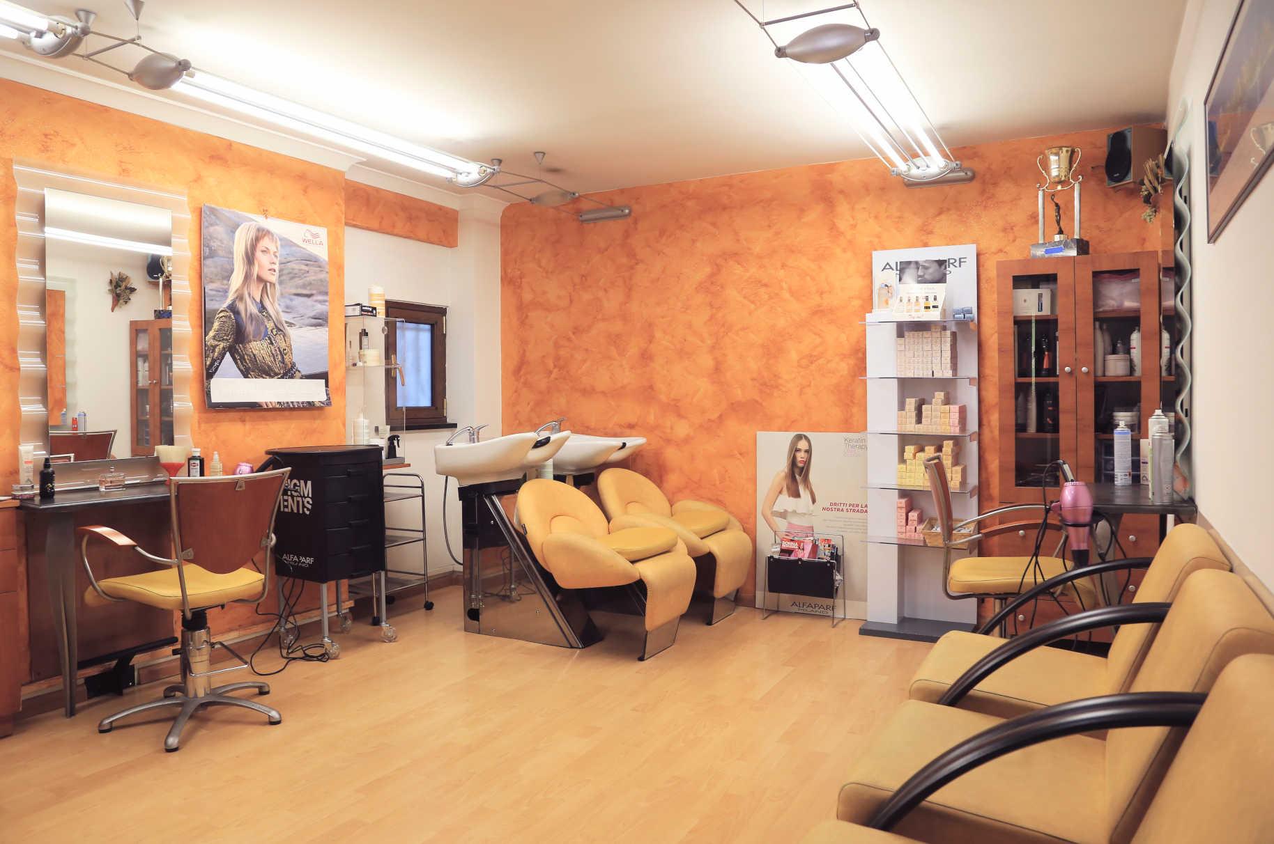 salone femminile 1